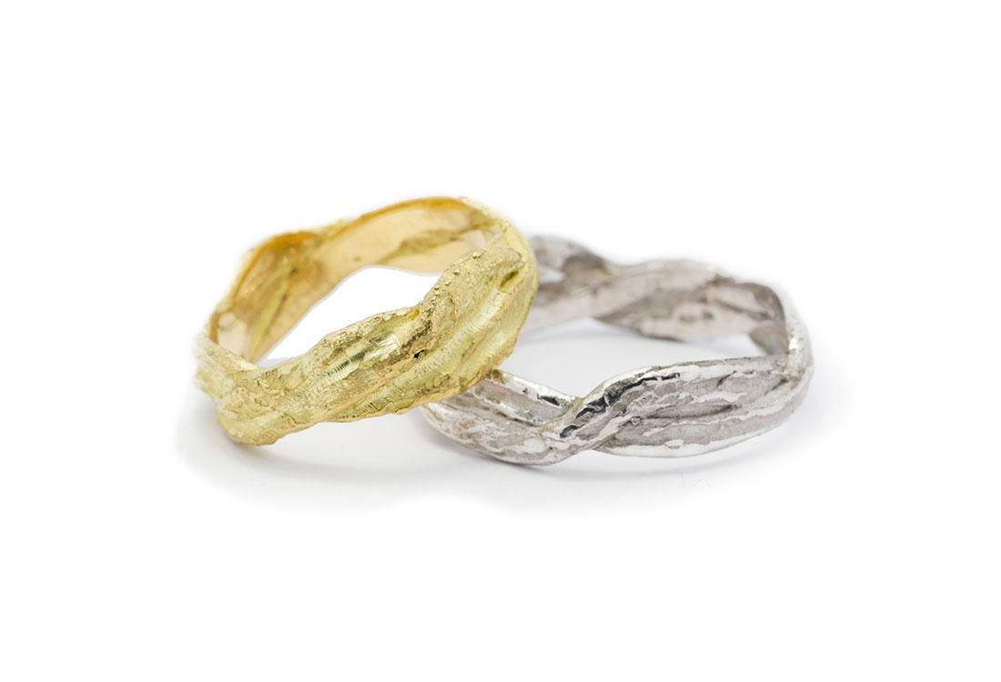 FEDI TRECCIA: realizzate a mano in oro 18Kt, lavorazione Sforza. Disponibili in oro verde e in oro bianco.