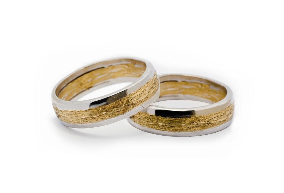 FEDI BICOLORE:  realizzate a mano, oro verde 18kt lavorazione Sforza, oro bianco 18kt finitura lucida.