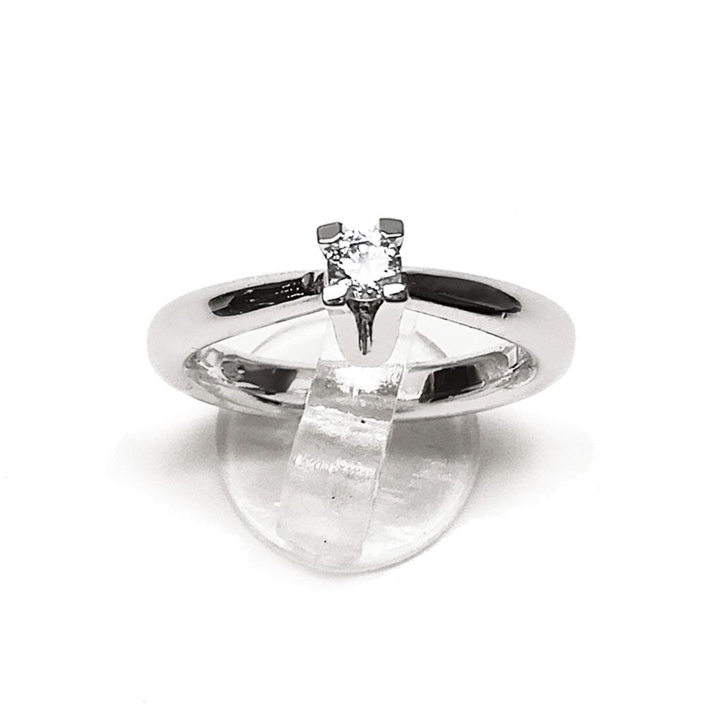SOLITARIO : solitario oro bianco 18Kt, diamante ct 0,25 H color vvs, realizzato a mano, finitura lucida.